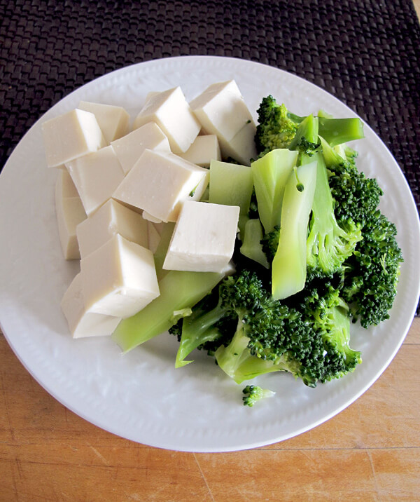 broccoli and tofu