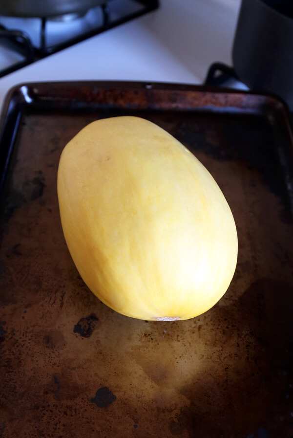 how to bake spaghetti squash