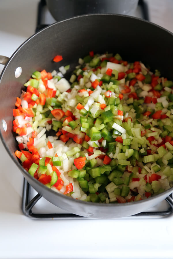 chili-veggies-in-pot