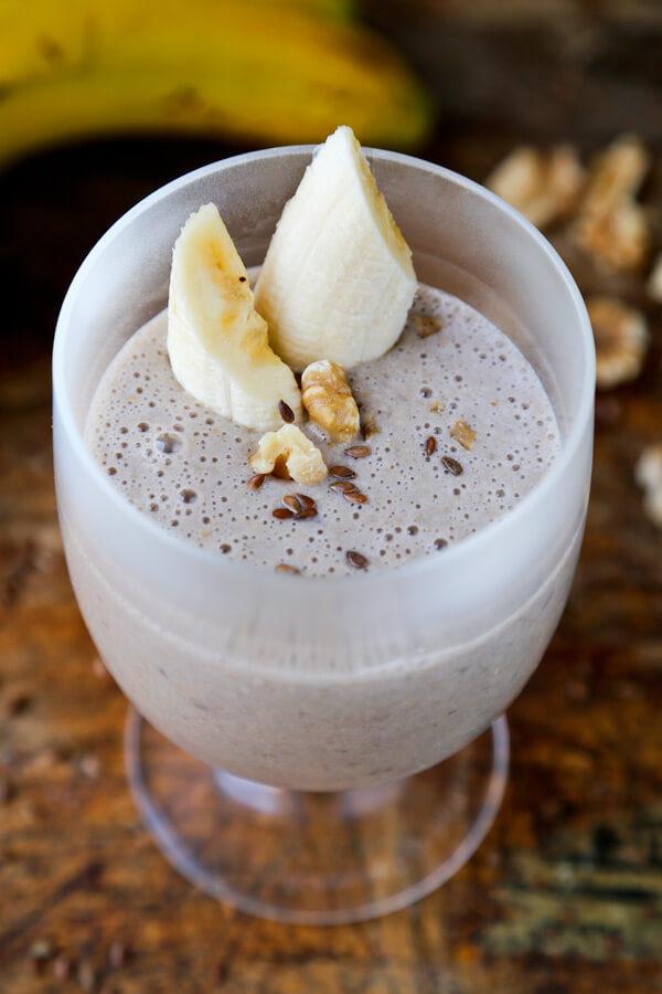 Flaxseed banana smoothie