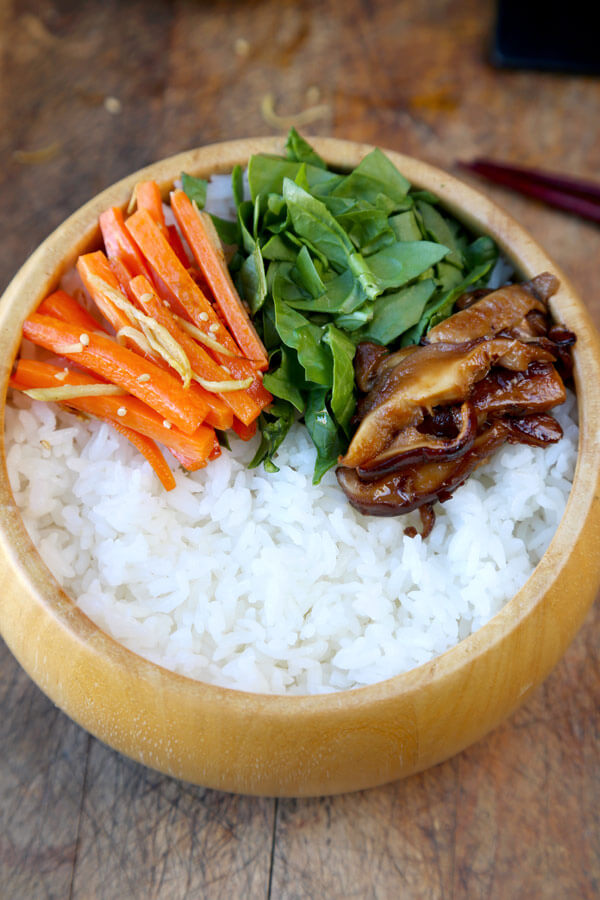 spinach-carrots-on-rice