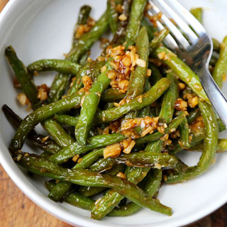 Dry-Fried Green Beans with Garlic Sauce
