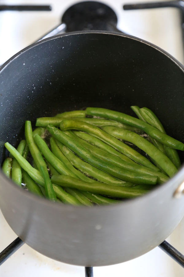 green-beans-frying