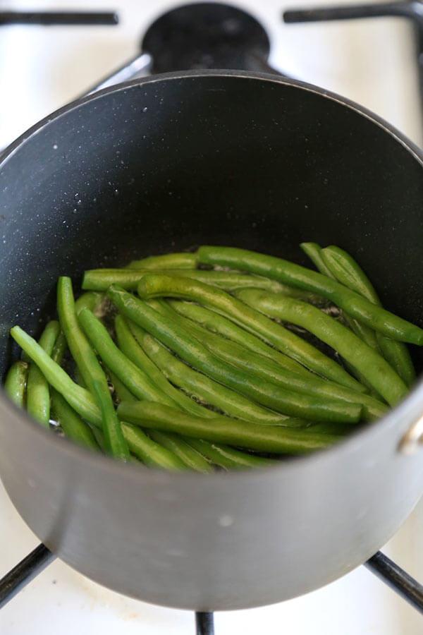 green-beans-frying