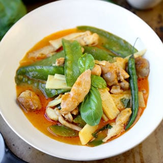 easy-thai-red-curry-320