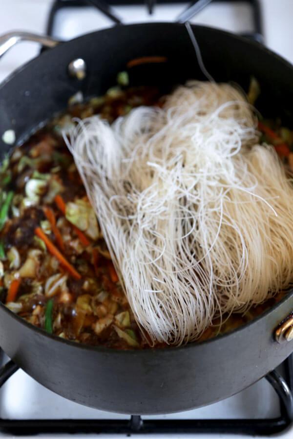 noodles-in-sauce