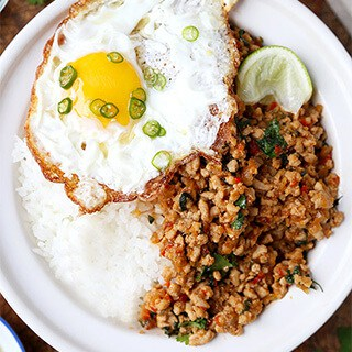 Thai-basil-chicken-320