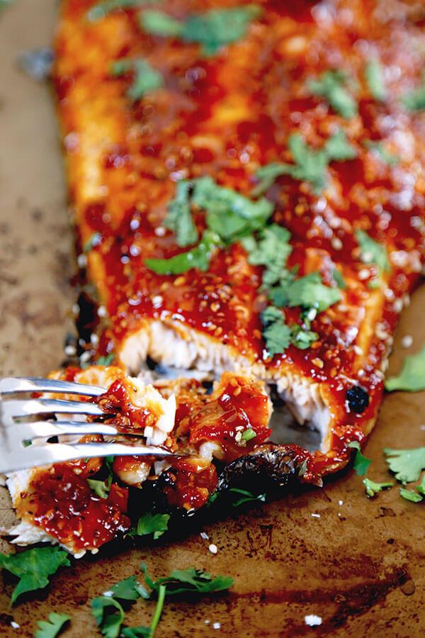 Honey sriracha oven baked salmon honey sriracha oven baked salmon this is a sweet spicy and smoky honey sriracha forumfinder Gallery