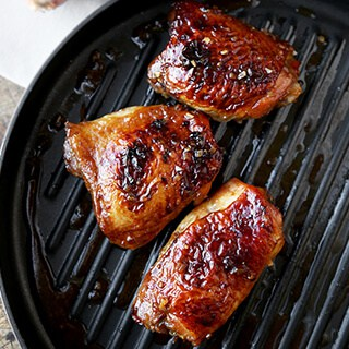 baked-chicken-thighs-320