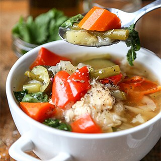 slow-cooker-chicken-soup-320