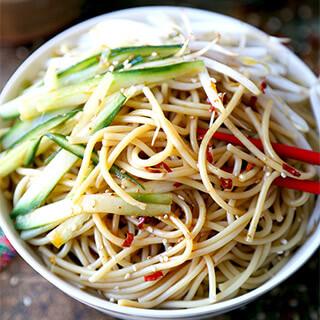asian-noodle-salad-320