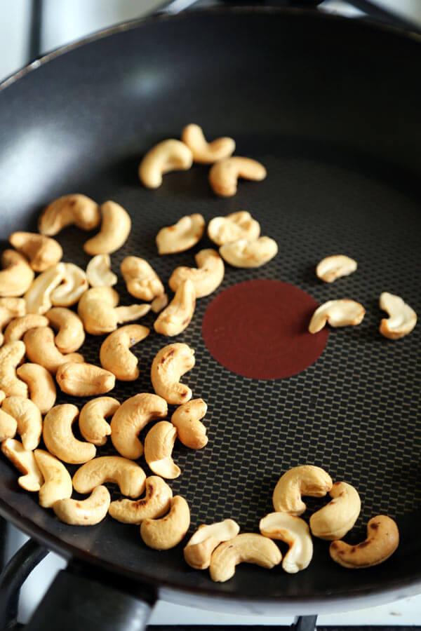 cashew-in-pan