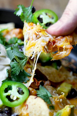 loaded-nachos-with-kimchi-320