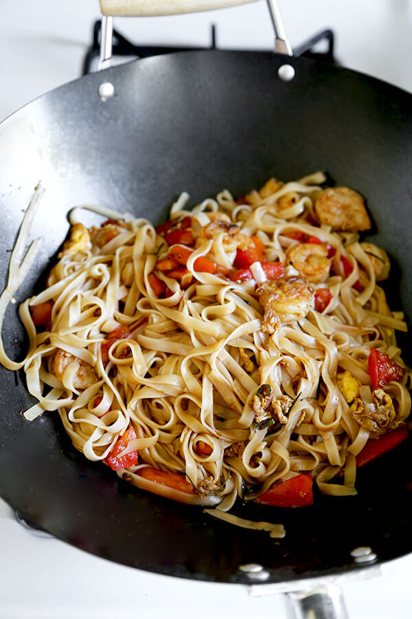 Rice noodles stir fry