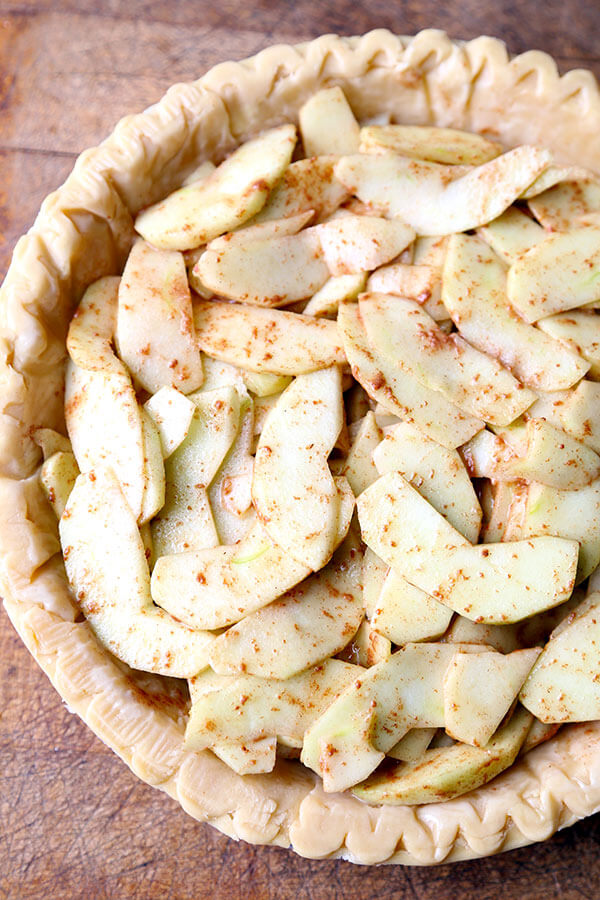 Dutch Apple Pie - There will be no leftovers when you make this flaky, chewy and crumbly Dutch Apple Pie Recipe. This indulgent dessert is ready in an hour from start to finish! Recipe, dessert, pie, apple pie, baking, healthy, fruit, snack, Thanksgiving dinner | pickledplum.com