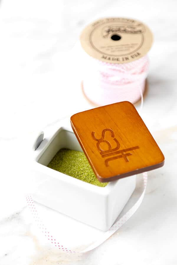 Matcha Tea Salt - This easy Matcha Tea Salt Recipe is packed with antioxidants and will boost your metabolism. Plus, it makes a unique homemade Christmas gift for friends and family! Recipe, how to, diy, matcha, homemade gift | pickledplum.com