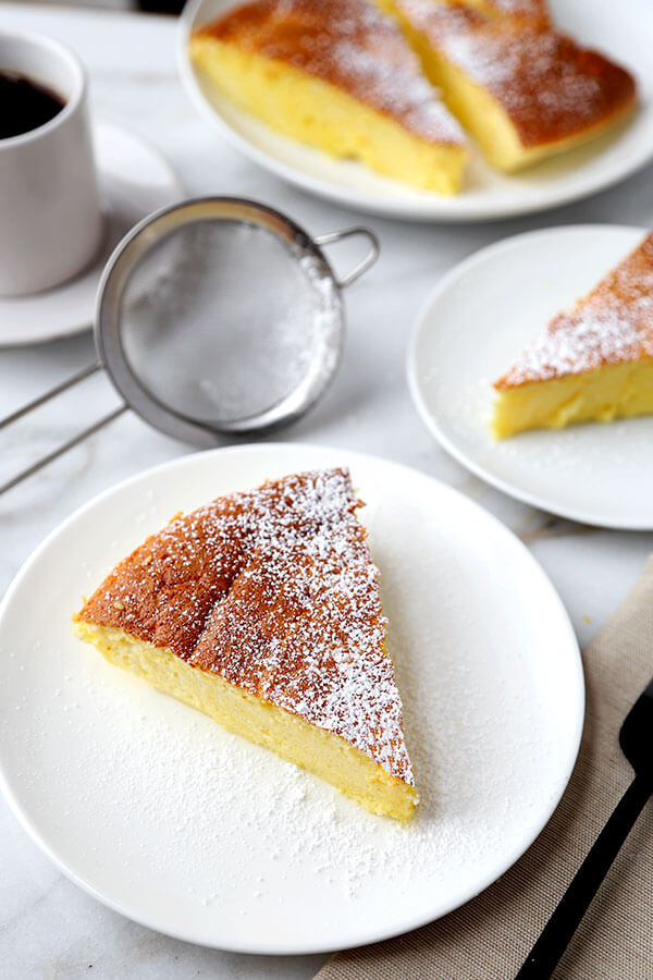 Fluffy Japanese Cheesecake - This is an easy and delicious recipe for traditional Japanese cheesecake. It's light and airy and has just the right amount of sweetness! Recipe, dessert, cake, cheesecake, snack, Japanese food | pickledplum.com