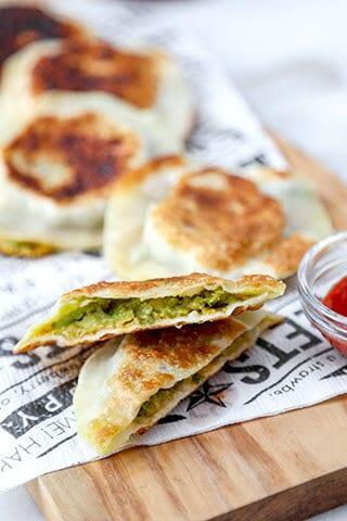 avocado-and-cheese-dumplings-320
