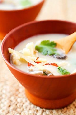 thai-coconut-soup-320