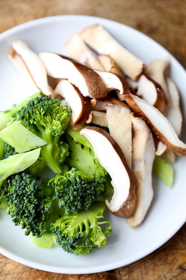 broccoli-and-mushrooms