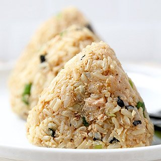Tuna And Sesame Omusubi (Rice Balls)
