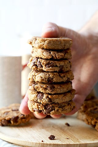 vegan-chocolate-chip-cookies-320
