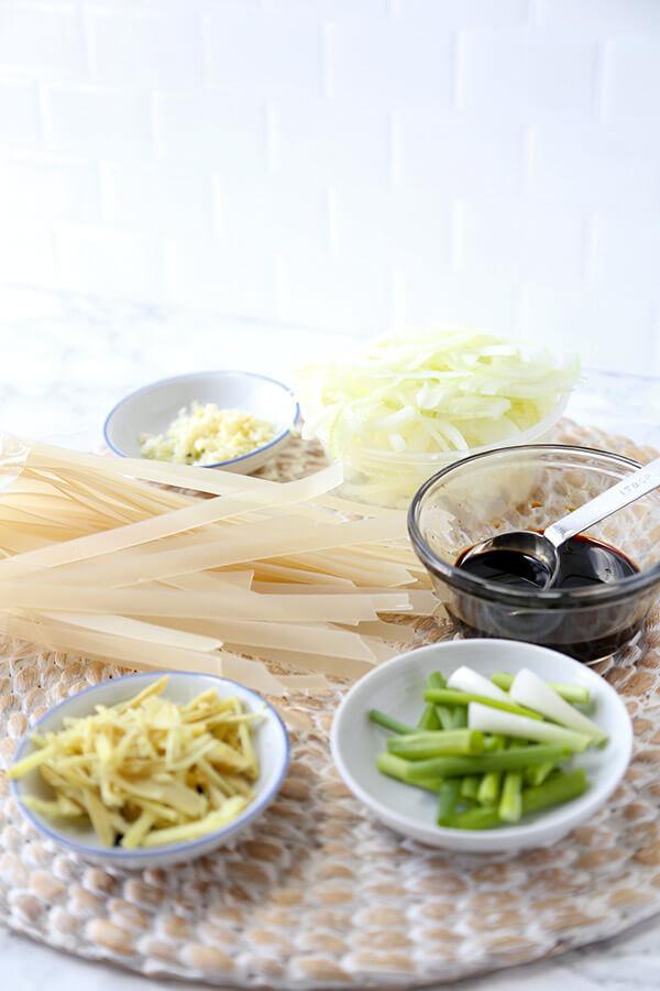 chow-fun-ingredients