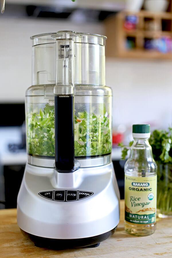 rice-vinegar-and-blender-600