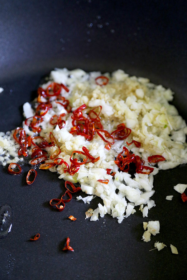 garlic-and-chilies