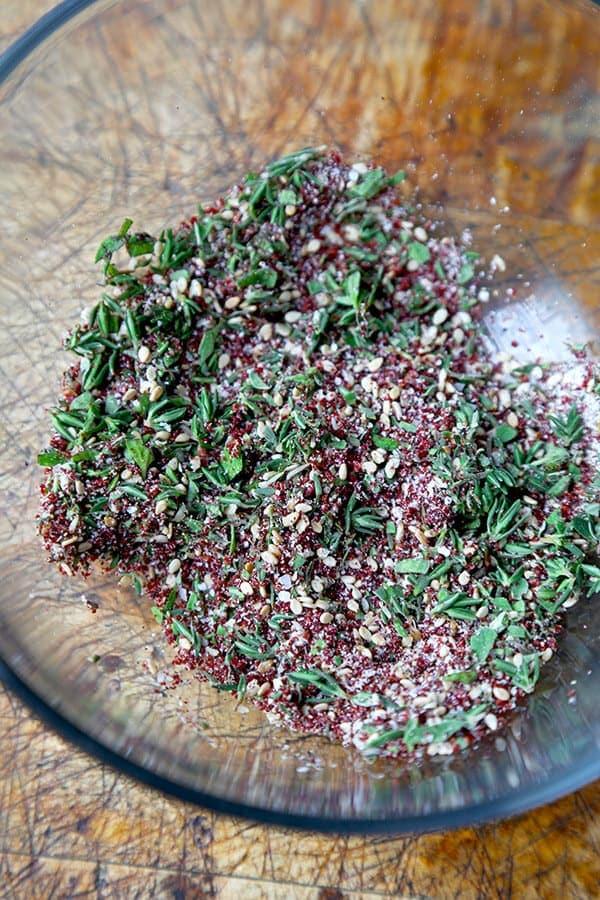 Za'atar spice mix - recipe at pickledplum.com