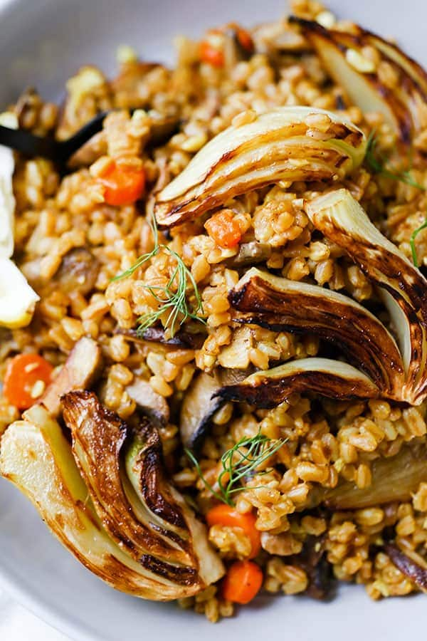 Farro Risotto - This rustic Farro Risotto With Sauteed Mushrooms and Fennel is winter comfort food minus the fat! vegan dinner recipe, plant based, vegetarian healthy recipe, blue zone | pickledplum.com
