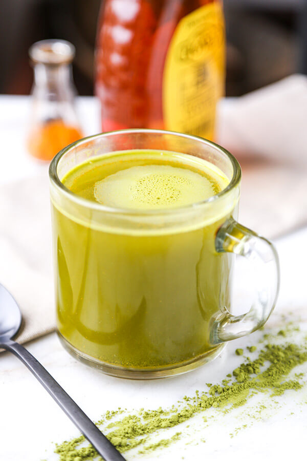 matcha-turmeric-tea-optmHere are 2 quick turmeric tea recipes and a turmeric face mask to keep you looking and feeling healthy this winter!