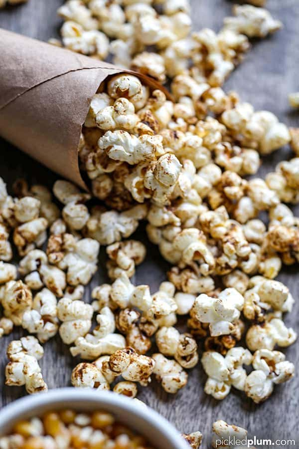 Homemade Sweet and Salty Masala Popcorn - This simple to make Homemade Sweet And Salty Masala Popcorn is the perfect flavor-forward snack for your epic Super Bowl party or a cozy movie night. homemade popcorn recipes, popcorn seasoning, popcorn bar, healthy low fat snack, weight loss, diet recipes | pickledplum.com