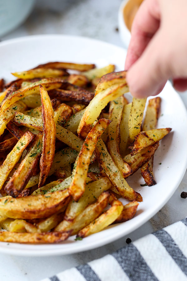 The Best Air Fryer French Fries - A healthy air fryer fries recipe (vegan) that makes a perfect easy homemade meal for those looking to loose weight - but not flavor! #airfryer #healthyeating #healthyliving #recipeoftheday | pickledplum.com