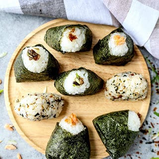 All About Onigiri – おにぎり- (How to Make + 4 Easy Recipes)